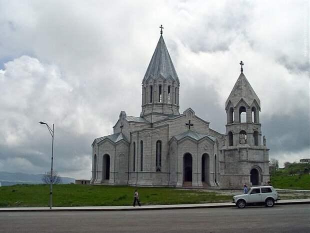 Азербайджан и Армения договорились о передаче христианских святынь