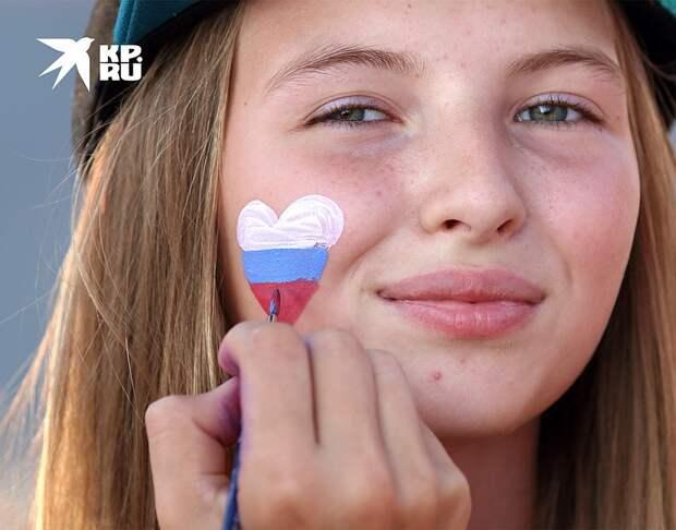 На праздновании Дня национального флага России в Самаре. Фото: Сергей КУРОЧКИН