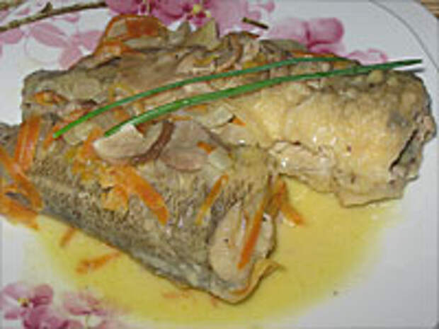 Так выглядит рыба в сметане с овощами
