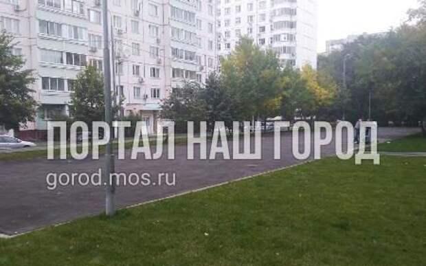 Благоустройство площадки на улице Героев Панфиловцев завершится до 20 октября