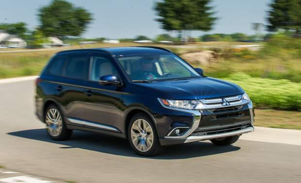 https://hips.hearstapps.com/amv-prod-cad-assets.s3.amazonaws.com/images/16q3/669461/2016-mitsubishi-outlander-24l-awd-tested-review-car-and-driver-photo-669854-s-original.jpg