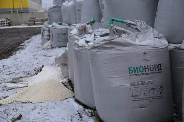 В Ижевске вновь отказались от использования песка для борьбы с обледенением на дорогах