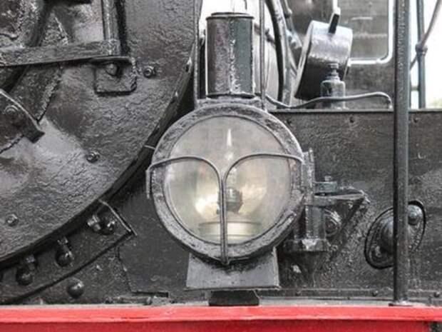 Первые локомотивы оснащались обычными лампами-керосинками / Фото: nevsedoma.com.ua