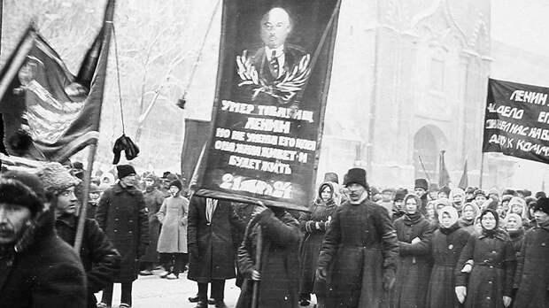 Евреи и Троцкий: как простой народ воспринял смерть Ленина