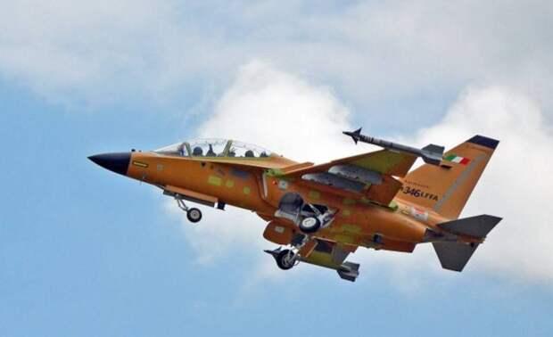 Итальянский лёгкий истребитель М-346FA совершил первый полёт