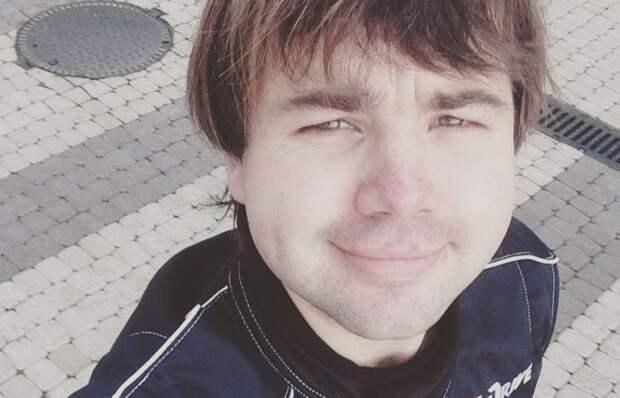 «Ноги в хлам, сейчас в больнице»: Михаил Казаков упал с высоты пятиэтажного дома