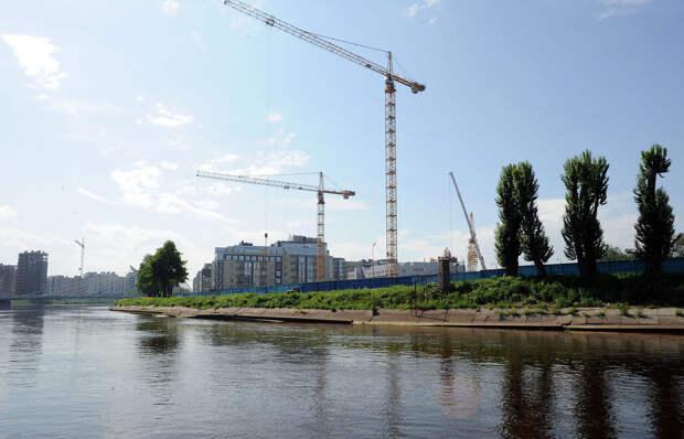 DSC 50871 Нефасадный Петербург: вид с воды
