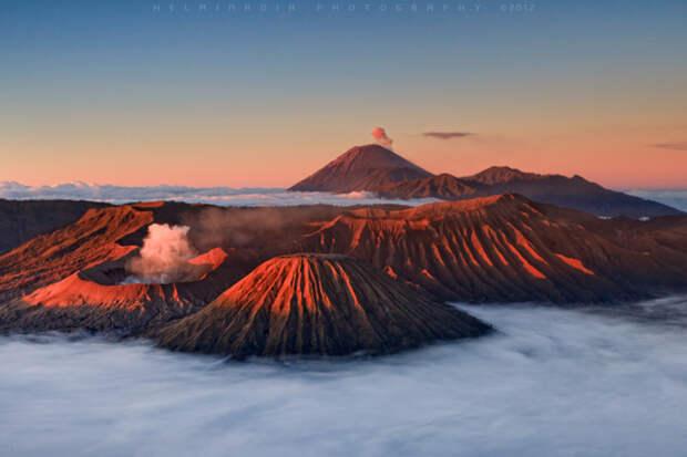 Вулкан Бромо: один из самых красивых огнедышащих кратеров мира