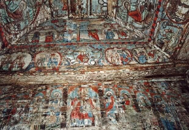 Уникальная сохранившаяся настенная роспись внутри церкви. | Фото: masterok.livejournal.com.