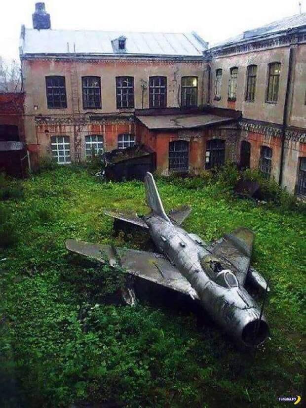 Заброшенные объекты по всему миру