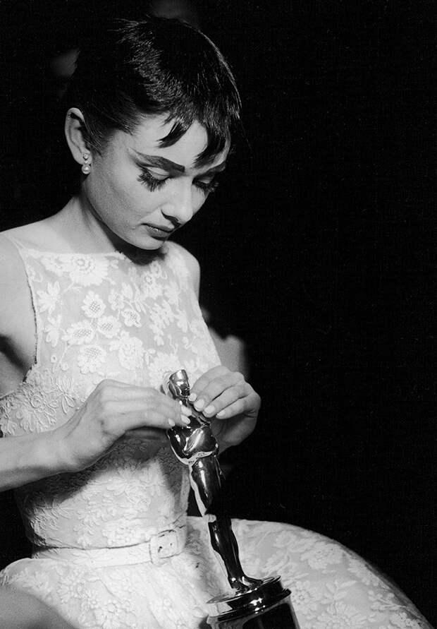 Нужны ли кинопремии в эпоху стримингов? Кинокритик Алиса Таежная — о кризисе индустрии и безусловной пользе новой этики