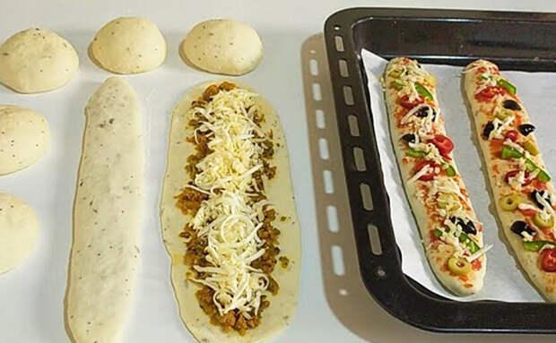 Берем 2 стакана теста и немного начинки: за полчаса делаем противень пицца-багетов на всех