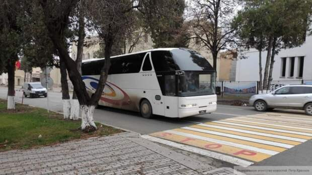 Миротворцы ВС РФ обеспечивают безопасность автоколонн с беженцами в НКР