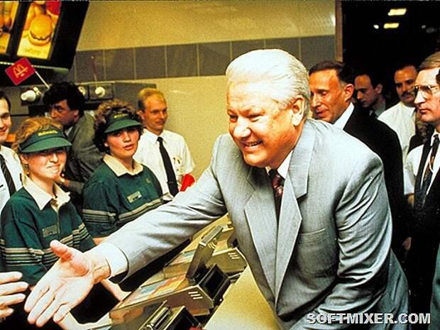 30 исторических фото открытия первого «Макдоналдса» в Москве в 1990 году