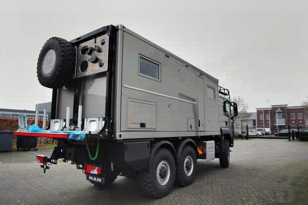 20-футовый внедорожный автодом на базе MAN TGS 6x6