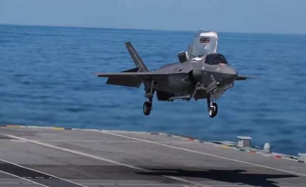 «Это воплощение британской морской мощи»: в Портсмуте формируют АУГ на основе авианосца Queen Elizabeth