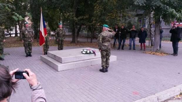 """""""Легион 100"""". Как установка памятников интервентам не помогла наладить отношения с Чехией"""