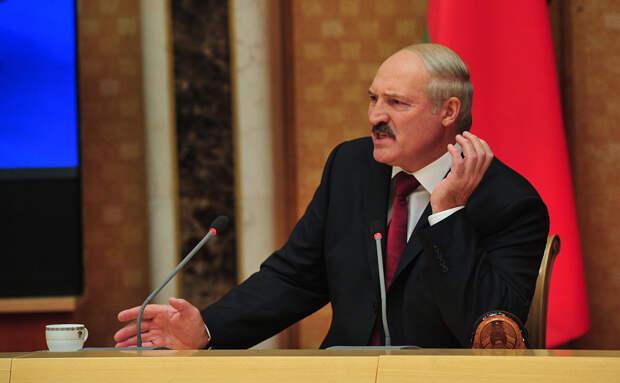 Лукашенко вспомнил старую риторику