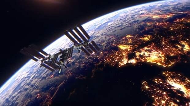Двое россиян и одна американка вернулись на Землю с МКС