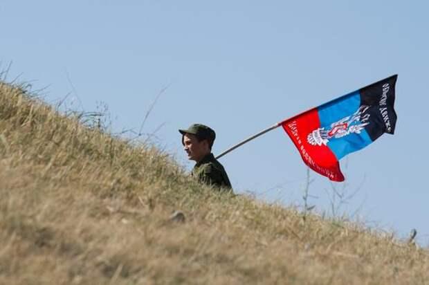 Военный атташе США прибыла в Донбасс в форме с нашивкой «Украина или смерть»