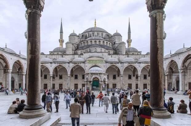 Действие локдауна в Турции не будет распространяться на туристов