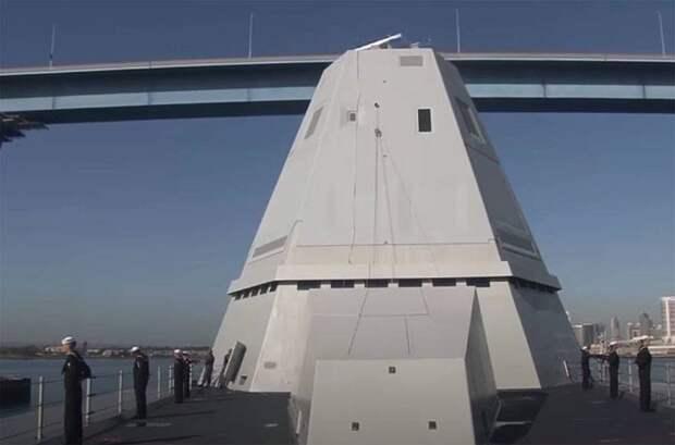 В США заявили, что стелс-эсминец Zumwalt  превращается  в«дорогостоящий артиллерийский катер»