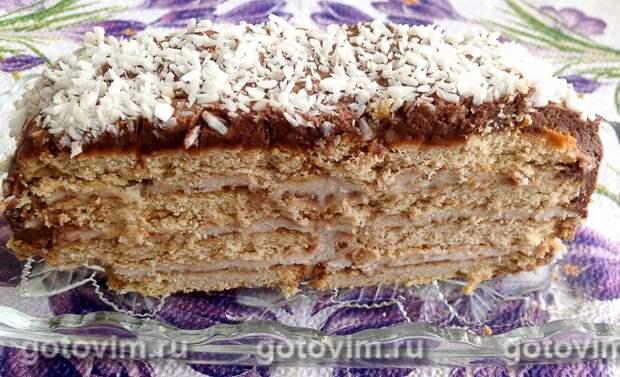 Творожно-банановый торт из печенья без выпечки. Фотография рецепта
