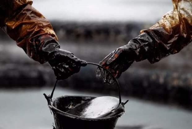 ОПЕК+ может отложить снижение объемов сокращения добычи нефти с 2021 года - ЦБР