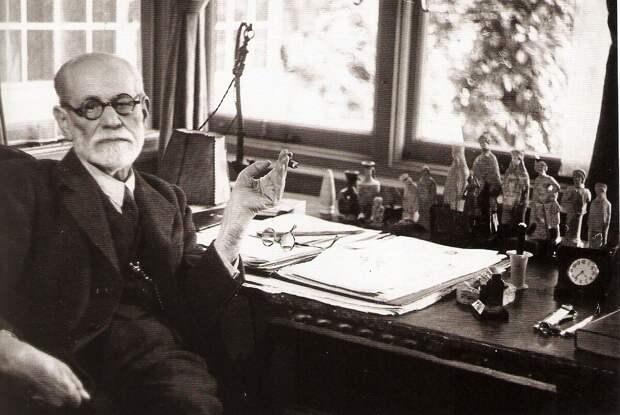 """3 жестокие истины жизни, которые делают жизнь счастливее"": мудрые цитаты Зигмунда Фрэйда"
