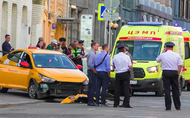 Сбивший людей таксист ранее участвовал в боях без правил