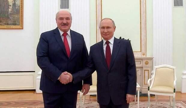 """Карбалевич заявил о """"домашней заготовке"""" в переговорах Путина и Лукашенко"""
