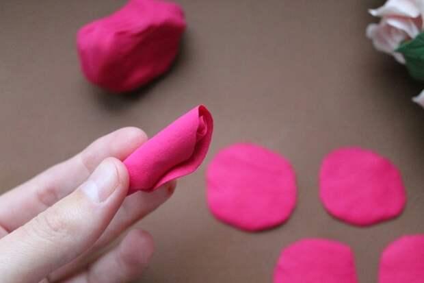 Лепка цветов из полимерной глины: делаем сердце из роз (1/2)