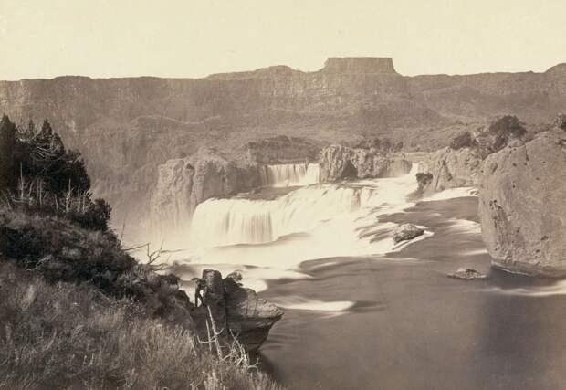 Водопады Шошоне, около современных Водопадов Близнецов, Айдахо. Снимок 1868 года.