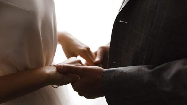 Кировчанку приговорили к году условно за организацию фиктивных браков для иностранцев