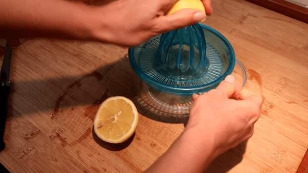 Нежнейший торт на скорую руку: свежий и сочный он тает во рту