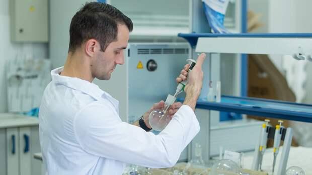 Британские ученые приступили к исследованию нового штамма коронавируса