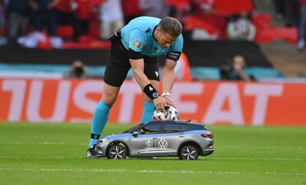 «Маккели находился в идеальной позиции для принятия решения, но ошибся». Судья Николаев — о пенальти в полуфинале Англия — Дания