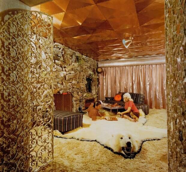 Как выглядел гламурный розовый дворец голливудской секс-бомбы Джейн Мэнсфилд