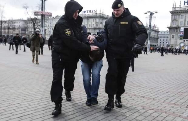 Зверства активистов в Белоруссии «Новая газета» называет мирным протестом
