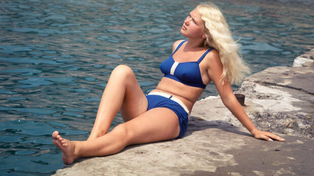 Как советские граждане отдыхали на пляже (ФОТО)