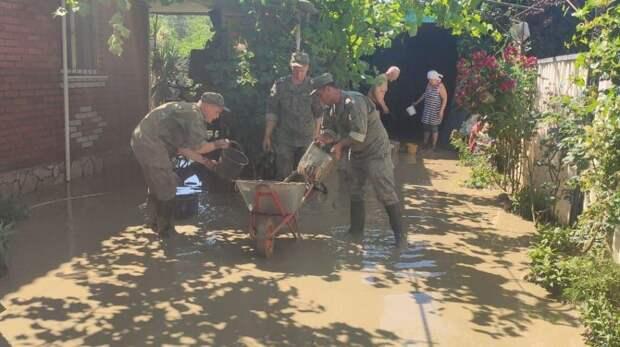 Мобильный отряд Черноморского флота прибыл в Керчь для оказания помощи жителям города