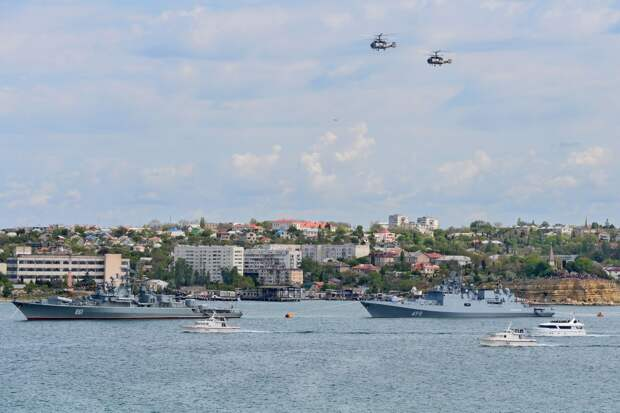 Фоторепортаж о 9 Мая: как в Севастополе празднуют День Победы