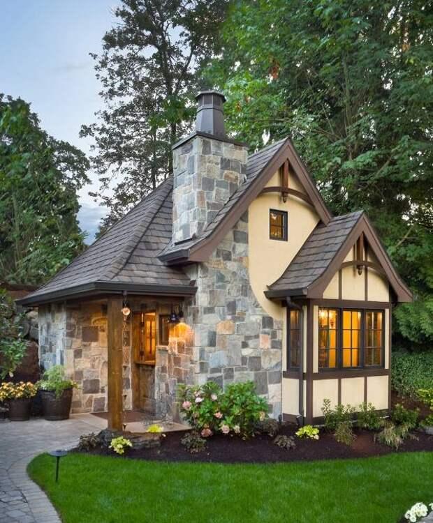 Каменная отделка фасада дома - фото коттеджа