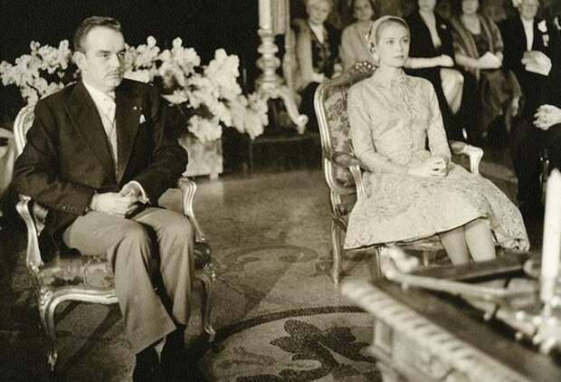 Гражданская церемония свадьбы принца Ренье и Грейс Келли.jpg