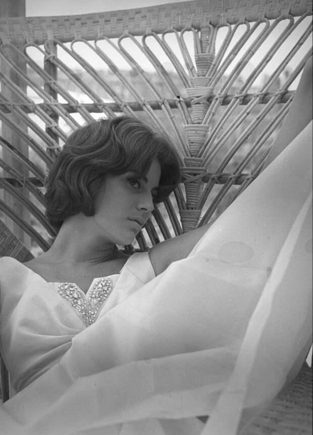 Итальянская актриса Анна-Мария Ферреро