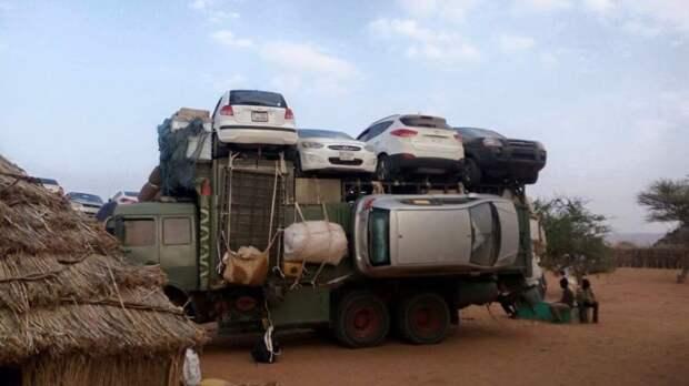 Технология перевозки легковых автомобилей в Судане авто, автоприкол, груз, грузовик, грузоперевозки, прикол, пустыня, судан