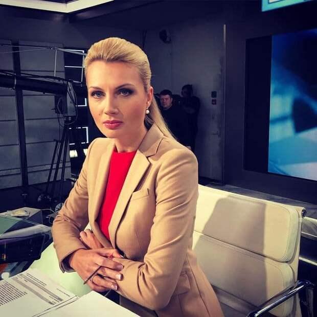 Ведущая Первого канала успокоила буйных гостей шоу на немецком языке