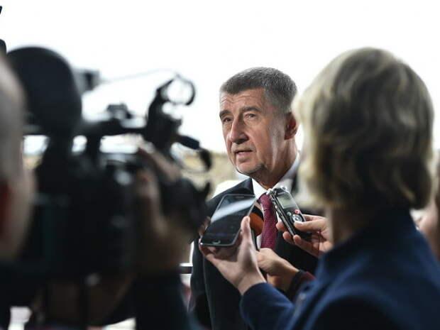 Премьер Чехии: Правительство не допустит участия России в тендере на АЭС