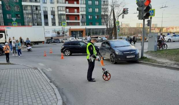 «Оба ехали намигающий»: 3-летний мальчик пострадал вДТП вЕкатеринбурге