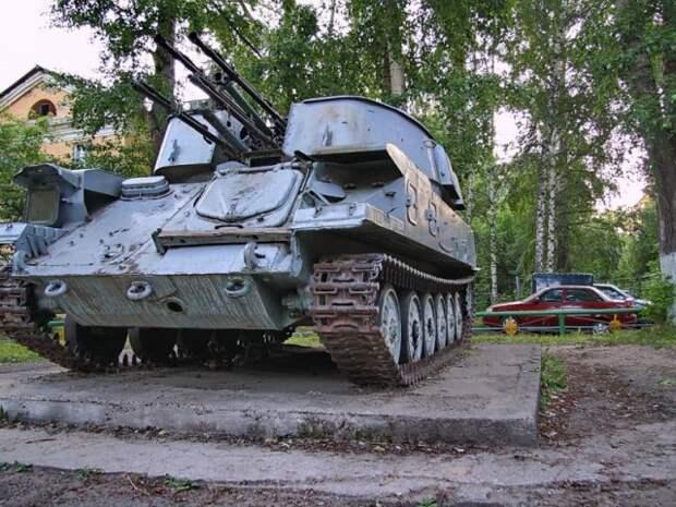 Суровые русские детские площадки